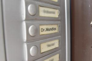 Die Eltern von Uwe Mundlos, ein Professor und eine Kassiererin, leben bis heute in der Siedlung.
